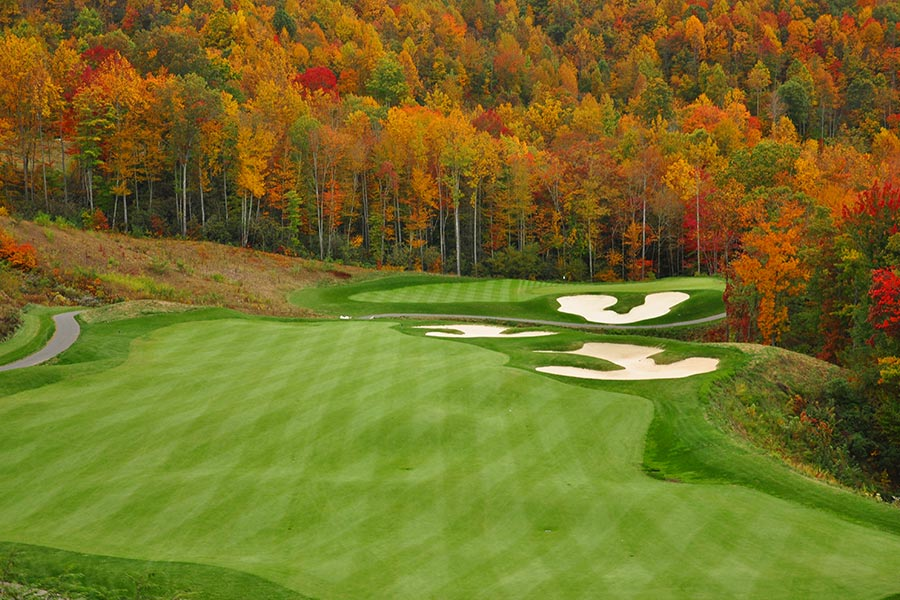 Open to the public, Sugar Mountain Golf Course is minutes away and has challenging terrains for all skill levels.